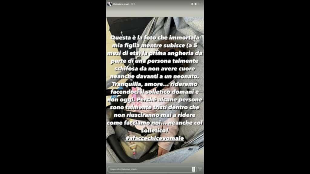 """Stash dei The Kolors adirato su Instagram per le angherie subite dalla figlia Grace: """"Persona schifosa"""""""
