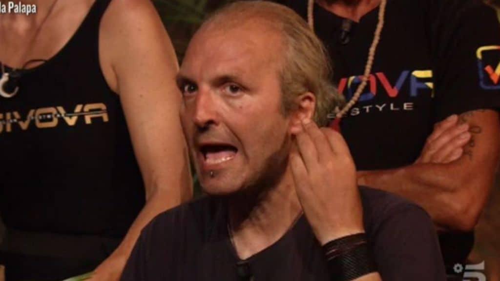 Ubaldo Lanzo lascia l'Isola dei Famosi 2021: i motivi dell'abbandono, cosa succede ora al televoto