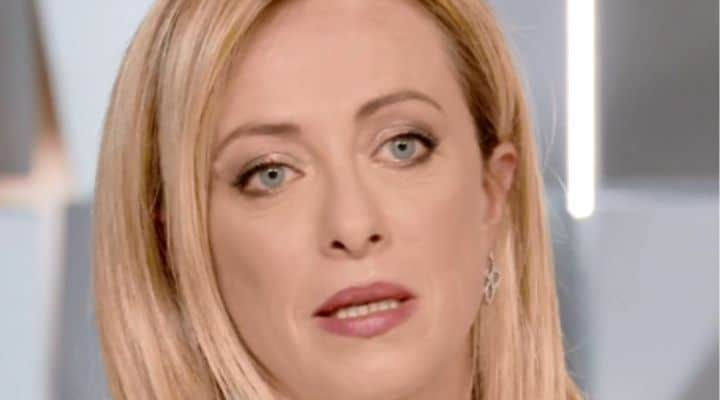 """Giorgia Meloni a Verissimo, l'onorevole si commuove parlando della figlia Ginevra: """"Le emozioni più grandi"""""""