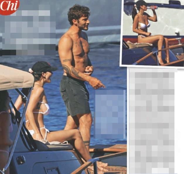 Paola Di Benedetto in barca con Stefano De Martino