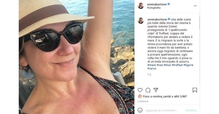 Serena Bortone Seflie Spiaggia