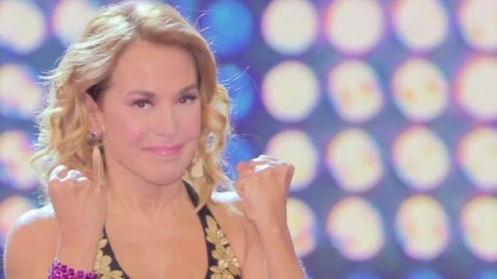 Domenica Live torna a settembre: Barbara d'Urso resiste alla presunta sostituzione con Lorella Cuccarini