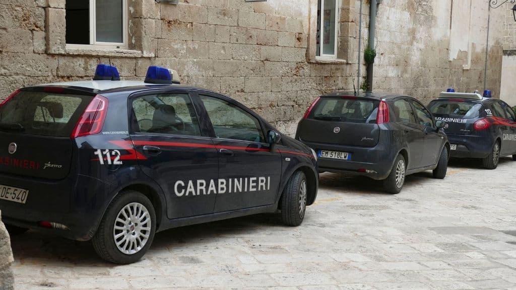Sarzana, 25enne uccisa in casa dall'ex. Intervengono i carabinieri