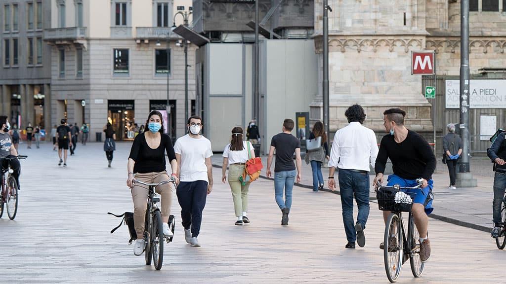 covid: mascherine via da agosto secondo il sottosegretario Costa