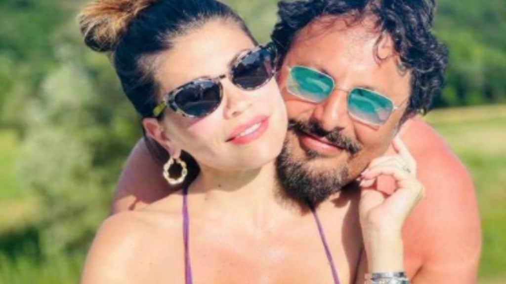 Enrico Brignano, romantica dedica per Flora Canto e il loro bambino in arrivo