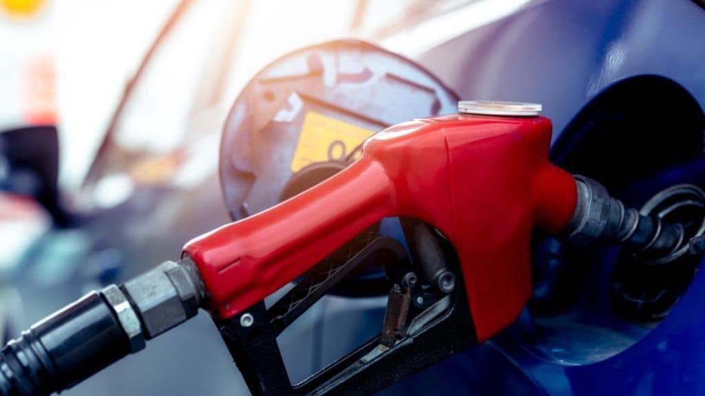 Aumentano i prezzi dei carburanti: il costo del Gpl sale alle stelle, il metano supera i 2 euro