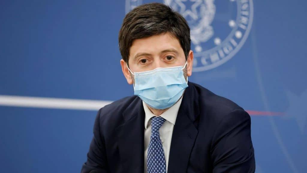 il ministro speranza in conferenza stampa su astrazeneca