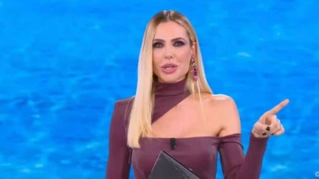 Star in the Star: oggi giovedì 23 settembre su Canale 5 la seconda puntata condotta da Ilary Blasi