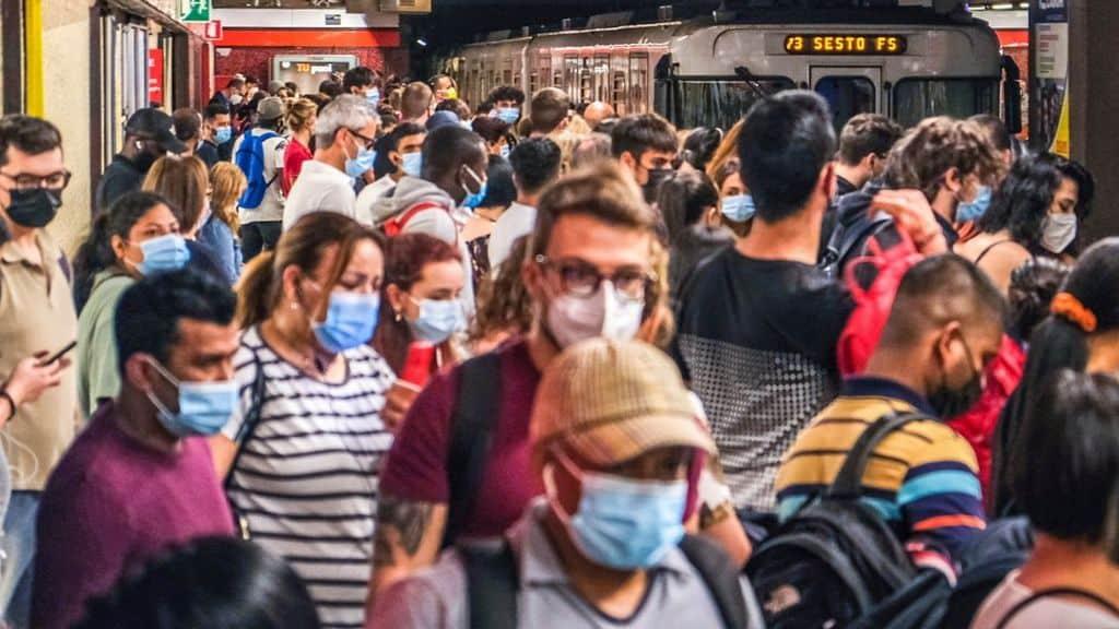 stop alle mascherine all'aperto da luglio