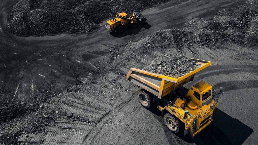Crolla la galleria di una miniera di carbone in Messico