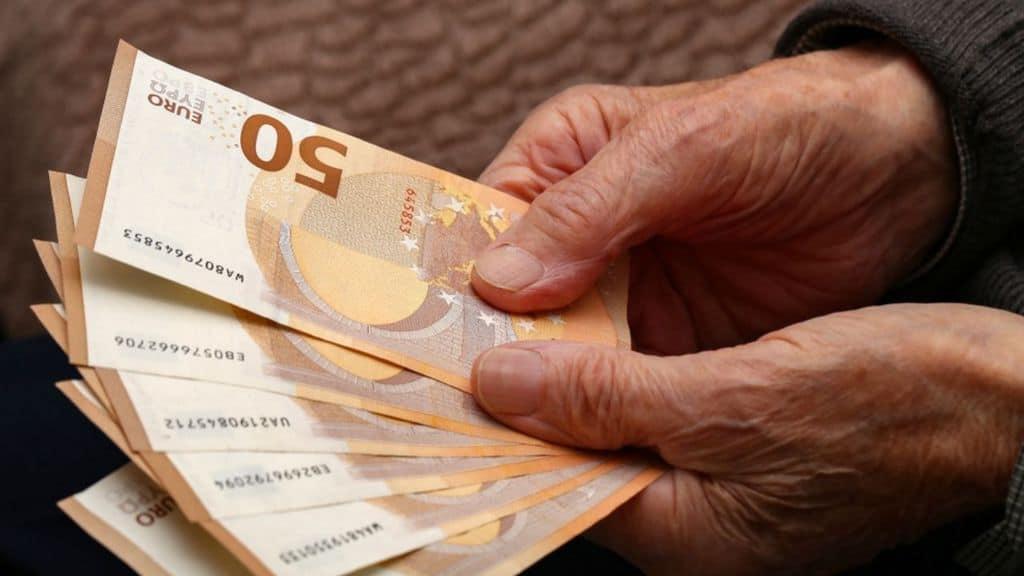 Pensioni e Ape sociale: il 15 luglio è il termine entro cui presentare domanda, i requisiti e le modalità