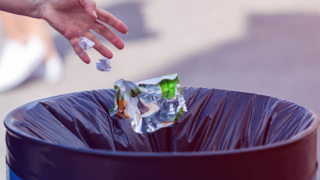 al bando la plastica monouso dal 3 luglio