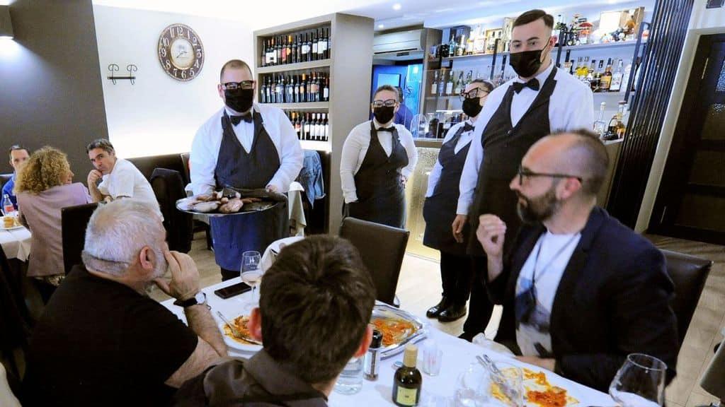 ristoranti cambia limite persone all'aperto e al chiuso