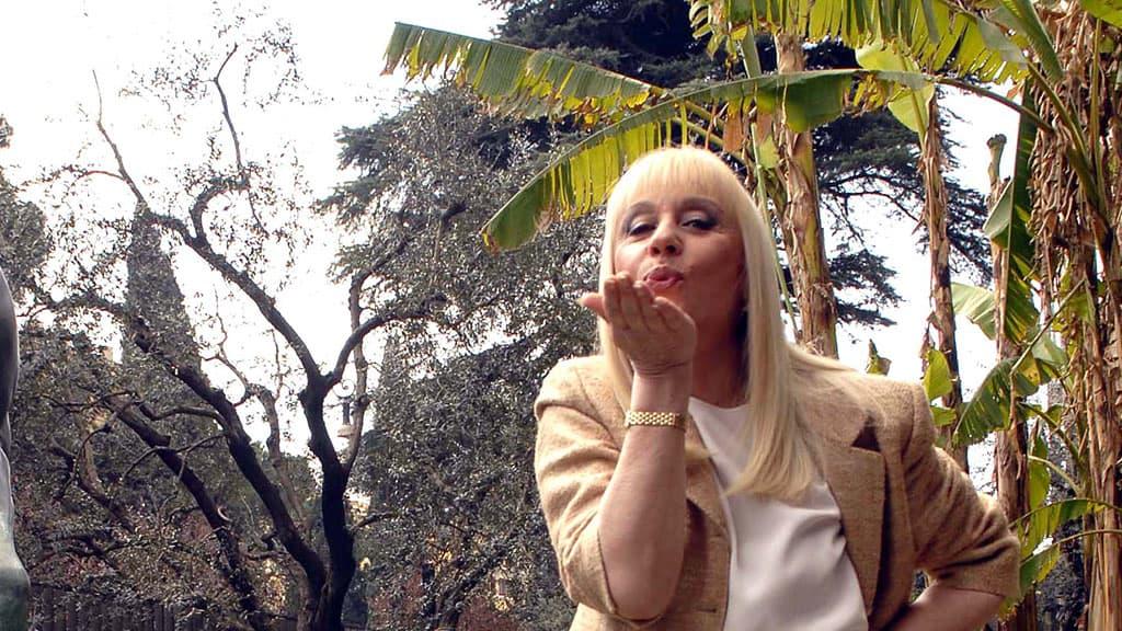 Raffaella Carrà icona gay lgbt