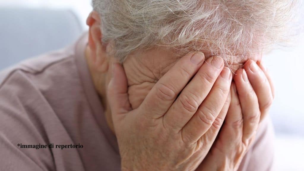 anziana rapinata e violenta in casa sua