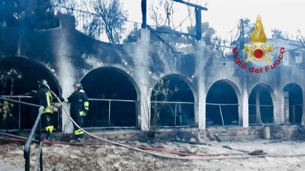 Incendio nel resort di Temptation Island