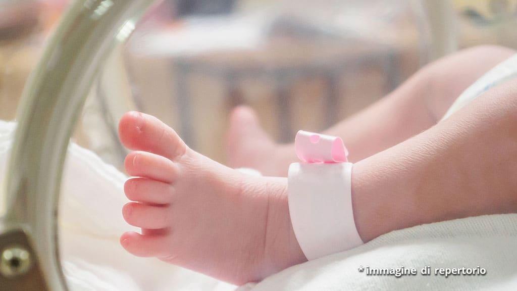 neonata prematura morta dopo il parto a Nola