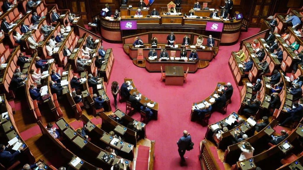 Senato, si al voto ai 18enni