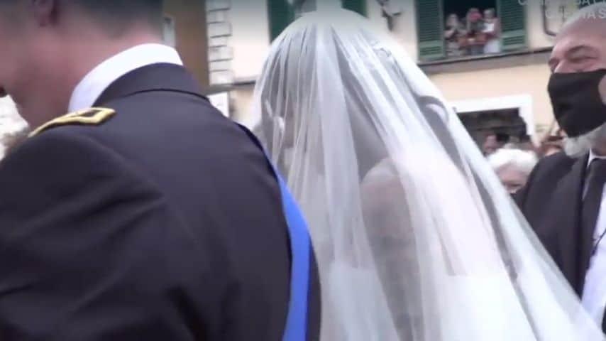 La sposa entra in chiesa