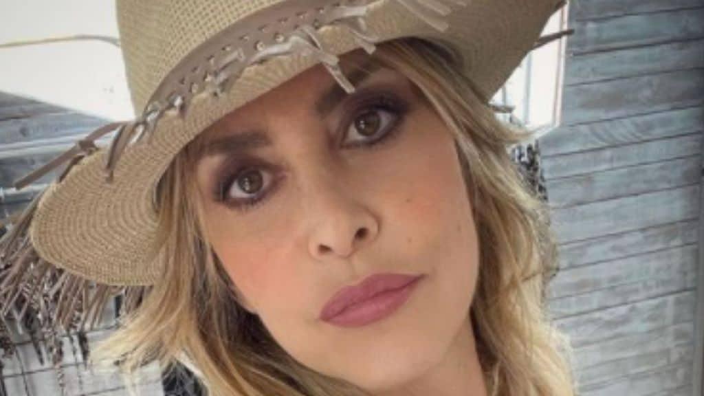 Chi è Stefania Orlando: età, carriera e l'amore con Simone Gianlorenzi della showgirl a Tale e Quale Show