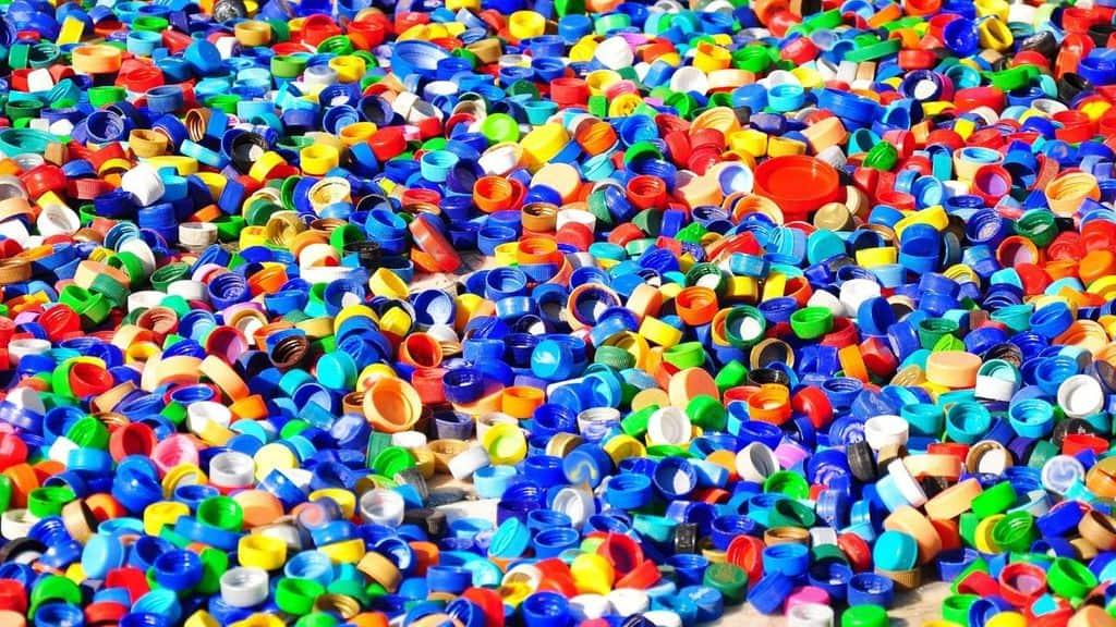 Giornata internazionale raccolta coperchi di plastica