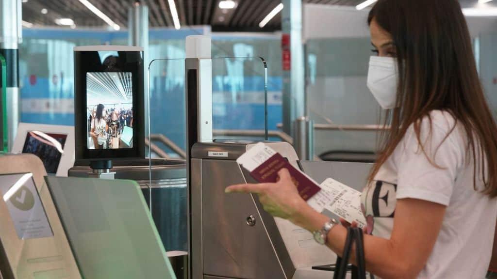 Le regole per viaggiare sicuri e informati all'estero