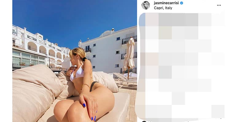 Post di Jasmine Carrisi a Capri - Instagram