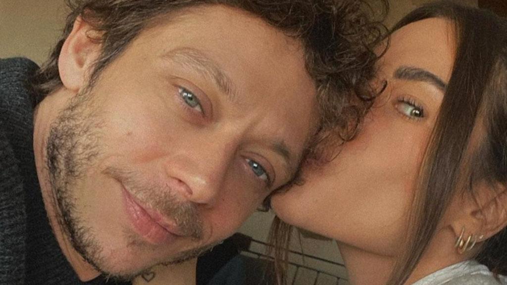 Valentino Rossi e Francesca Sofia Novello aspettano una figlia: l'annuncio dolcissimo su Instagram
