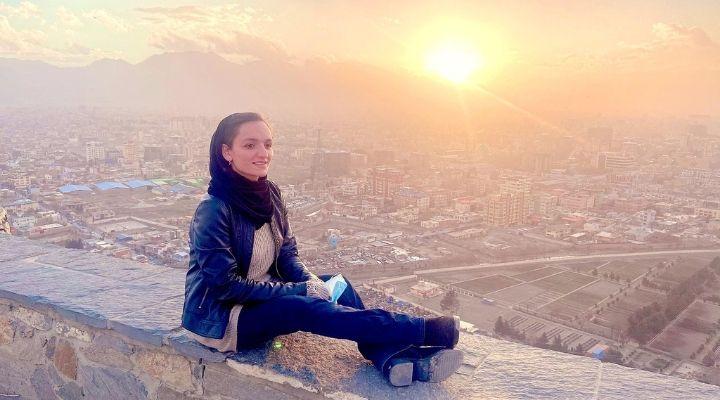 "Afghanistan, la sindaca più giovane del Paese denuncia la violenza talebana. Le sue parole: ""Mi uccideranno"""