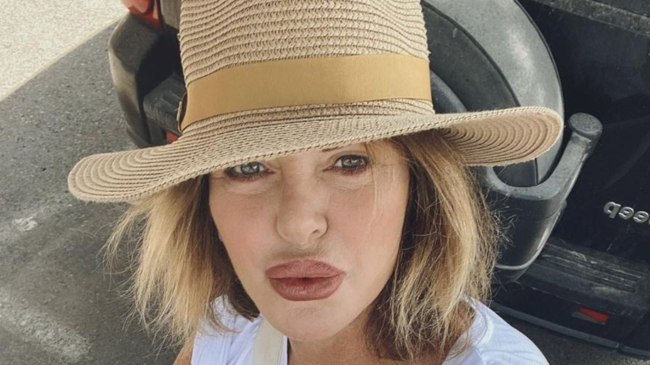 Alba Parietti si sfoga sui social prima di finire le vacanze e tornare alla sua vita: il messaggio