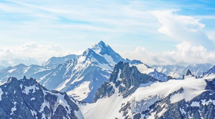 Allarme ghiacciai alpini: entro il 2050 gli effetti dei cambiamenti climatici saranno irreversibili