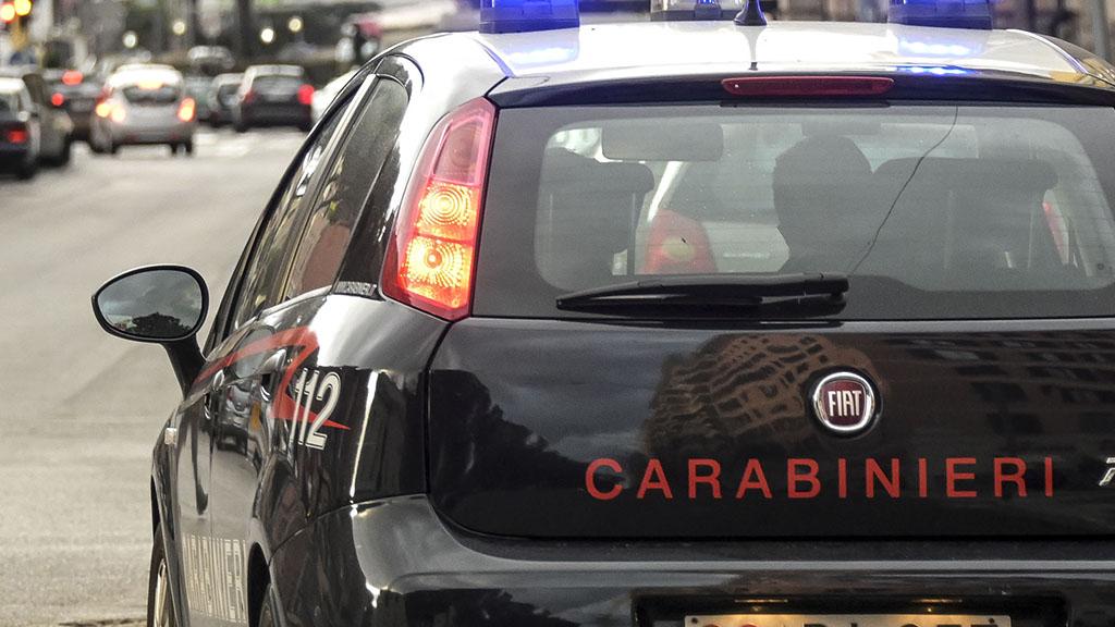 Ex militare ucciso a coltellate in casa nell'Oristanese, colpo di scena dopo l'allarme ai carabinieri