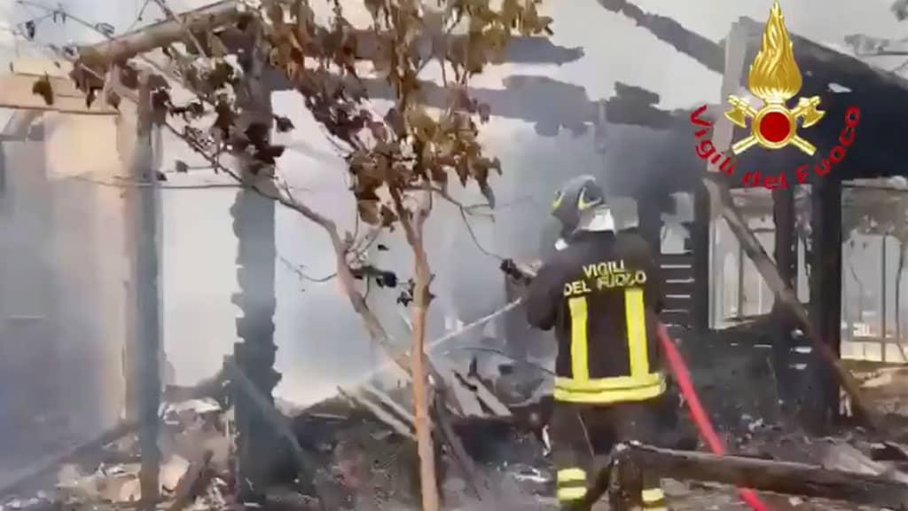 incendi a Pescara: coppia accende falò per un selfie