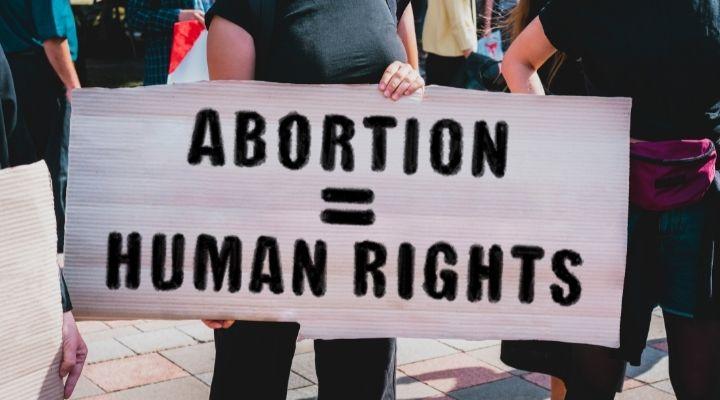 """San Marino, l'aborto diventa legale: vittoria dei """"sì"""" per la depenalizzazione dell'interruzione di gravidanza"""