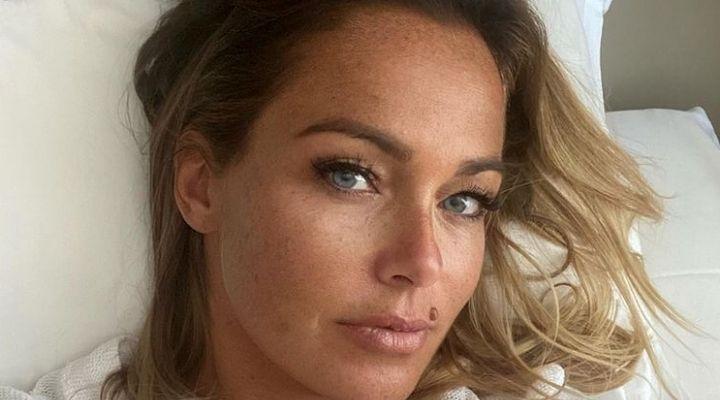 Sonia Bruganelli come nessuno l'ha mai vista: lo scatto della nuova opinionista del GF Vip sorprende i fan