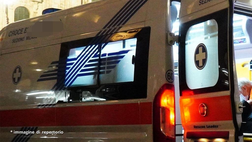 Uomo accoltella 5 persone a Rimini, tra loro anche una donna e un bambino colpito alla gola