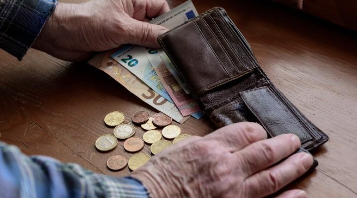 Pensioni e assegni INPS, tutti gli aumenti per il mese di ottobre: a chi spetteranno e a quanto ammonteranno