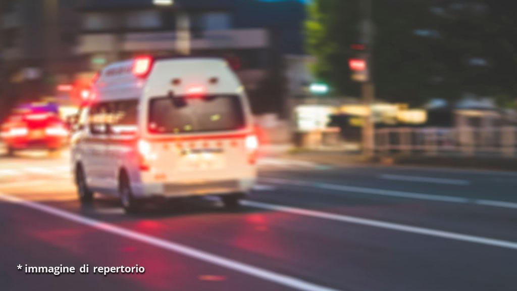 Bimba di 4 anni precipita dal balcone a Novara: drammatica caduta da un'altezza di 6 metri