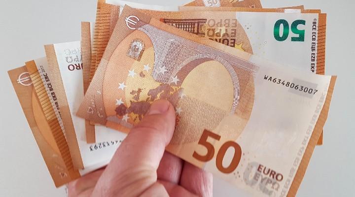 Bonus Inps per studenti, fino a 1.300€ in borse di studio: di cosa si tratta e chi può fare domanda