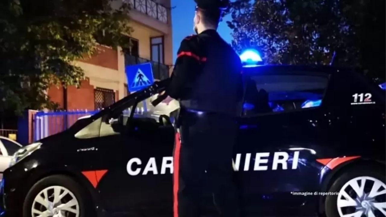 """Uccide la moglie con 11 coltellate e chiama i Carabinieri: """"Ho fatto una pazzia"""". Femminicidio a Cagliari"""