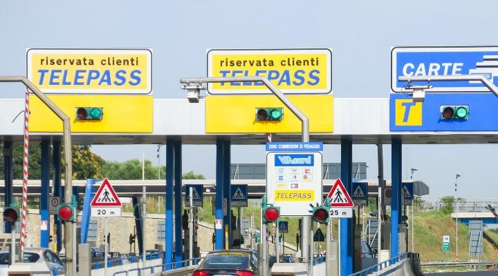 Cashback di Autostrade per i pedaggi: quanto si può ottenere di rimborso e come fare per richiederlo