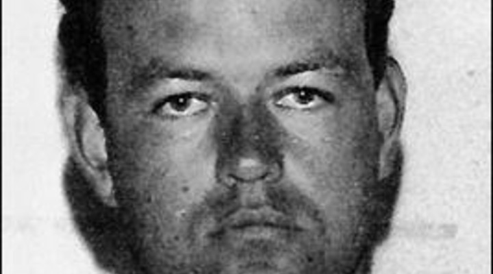 Stuprò e uccise 2 ragazzine e ora esce di prigione: Colin Pitchfork è libero. Il dolore delle famiglie