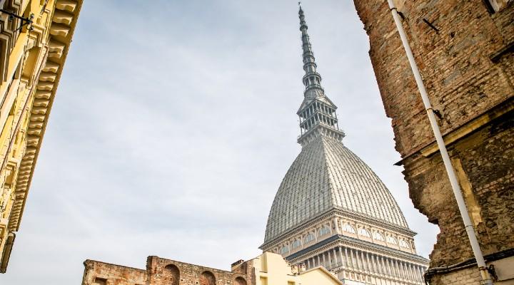 Concorso Comune di Torino, 100 posti a tempo determinato: quali sono i profili ricercati e come presentare domanda
