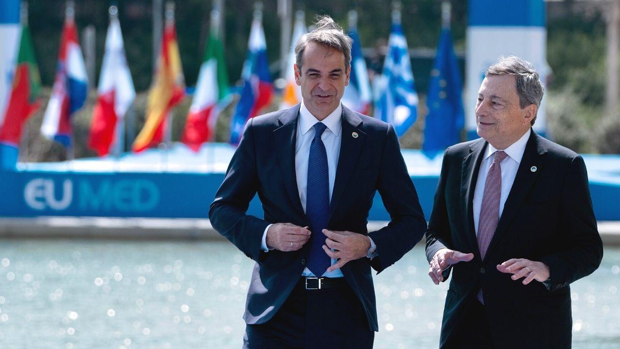 """Draghi da Atene avverte sul cambiamento climatico: """"Non c'è più tempo, conseguenze catastrofiche"""""""