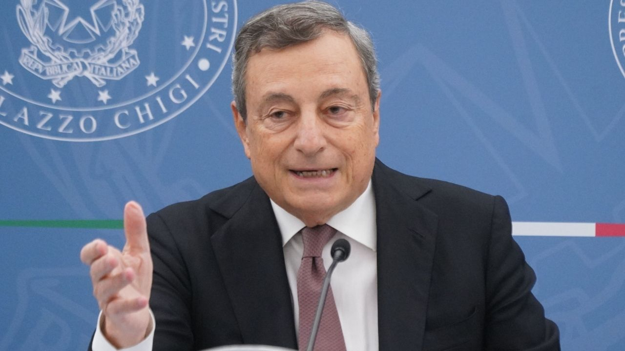 """Ancora morti sul lavoro, 700 vittime nel 2021. Draghi promette provvedimenti: """"Strage che continua ogni giorno"""""""