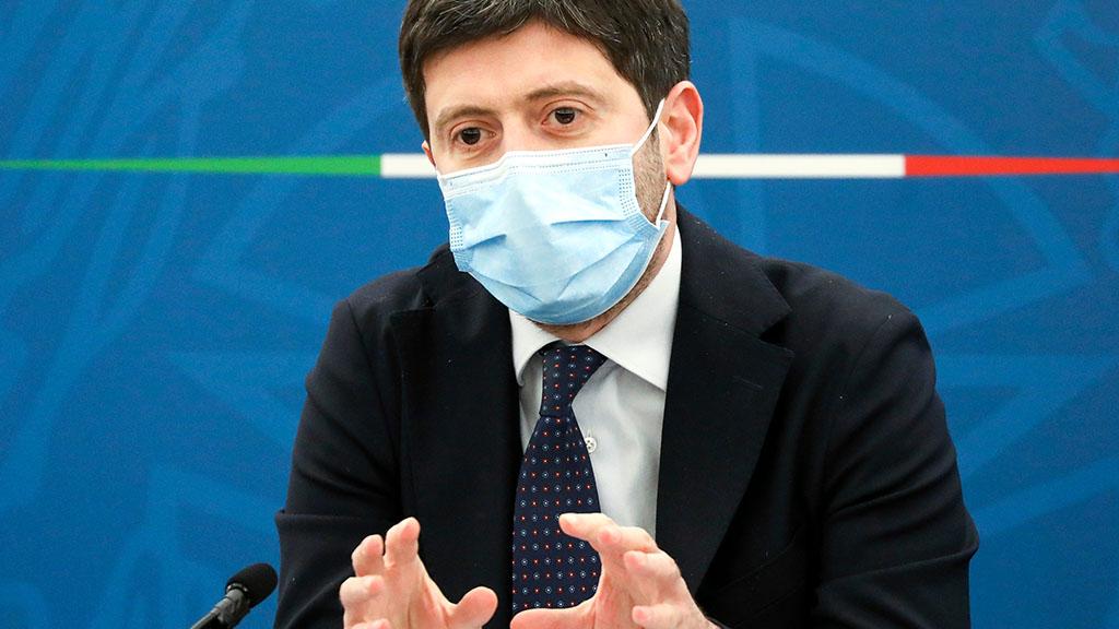 """Obbligo vaccinale e Green pass, il ministro Roberto Speranza: """"La nostra spinta sarà determinata e molto forte"""""""