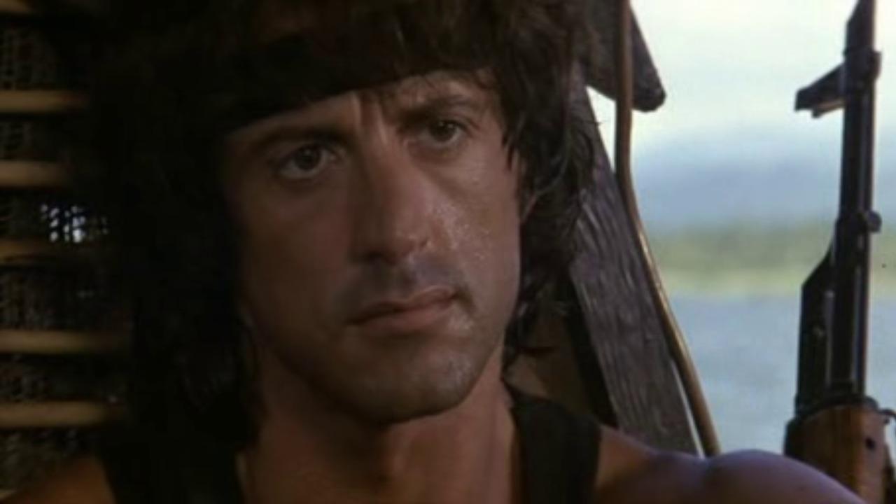 Rambo 2 – La vendetta: cast e trama del film del secondo film con Sylvester Stallone in onda su Italia1