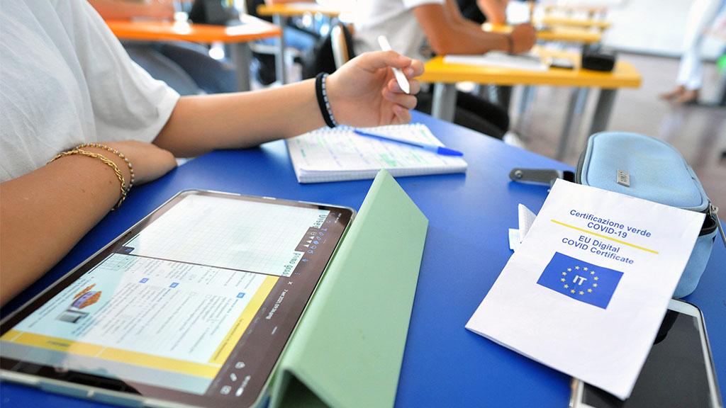 Scuola e Covid: le regole per il ritorno in classe e la didattica in presenza, dalle mascherine al Green pass