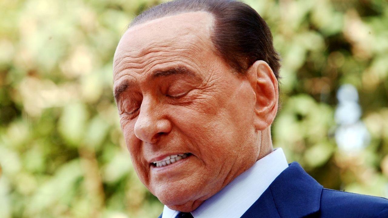"""Silvio Berlusconi, il pm del processo Ruby Ter: """"Malato di vecchiaia"""". Chiesta una perizia  medica"""