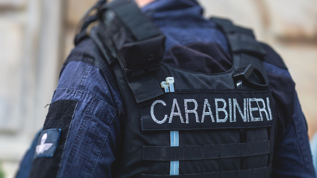 30enne uccisa in provincia di Vicenza, forze dell'ordine sulle tracce dell'ex marito: circondato un edificio